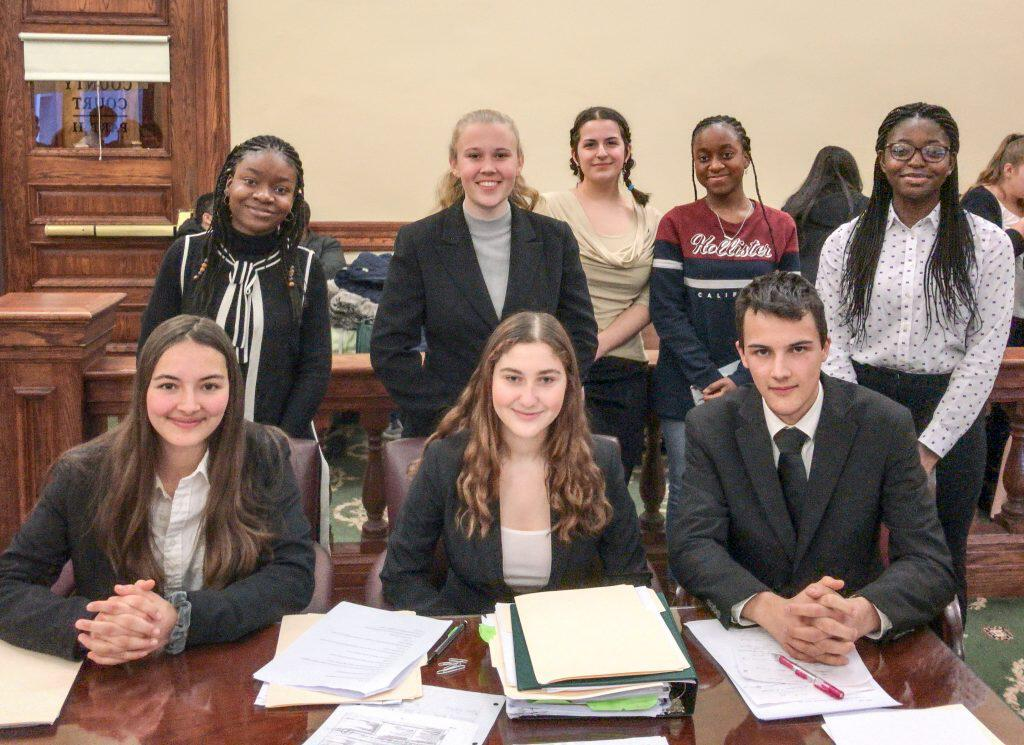 Mock Trial Team: Survive and Advance
