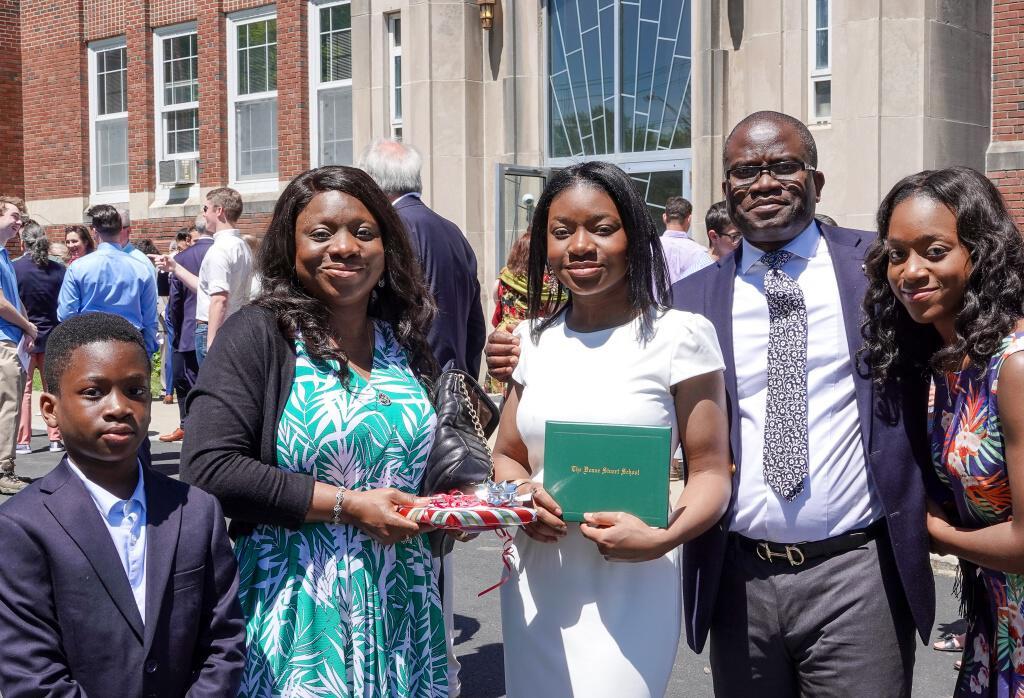 Senior Olaposi Peters Named 2019 Blueshield Scholar
